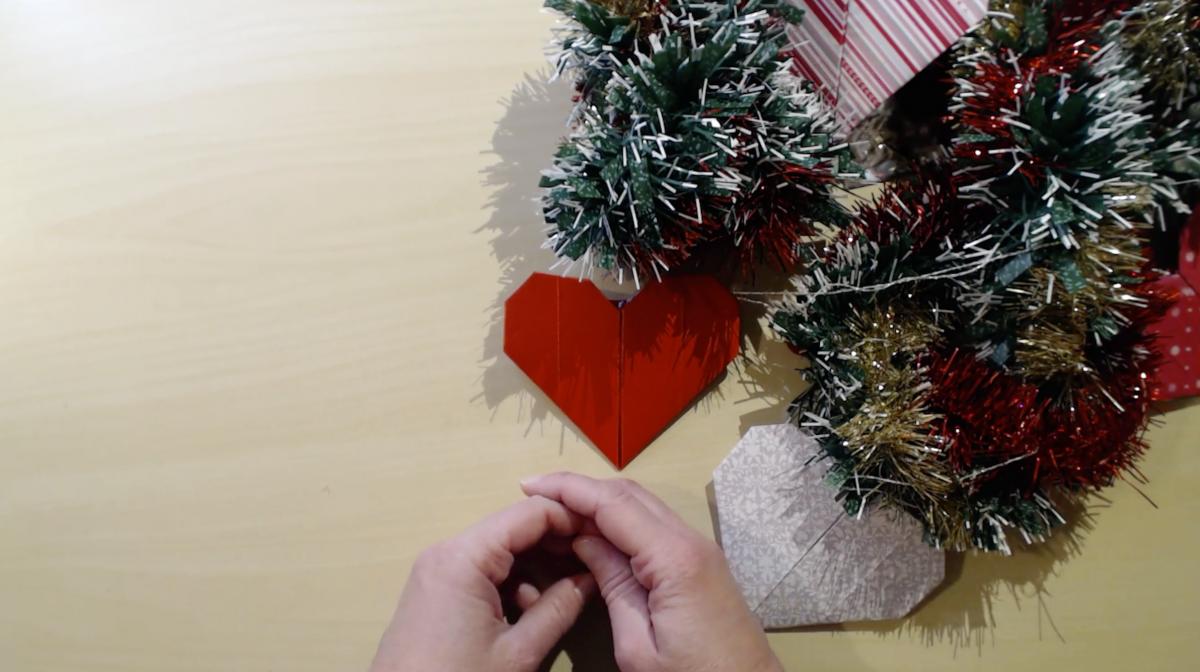 Un dicembre rosso cuore: il cuore origami. Una storia per riflettere sulle nostre emozioni