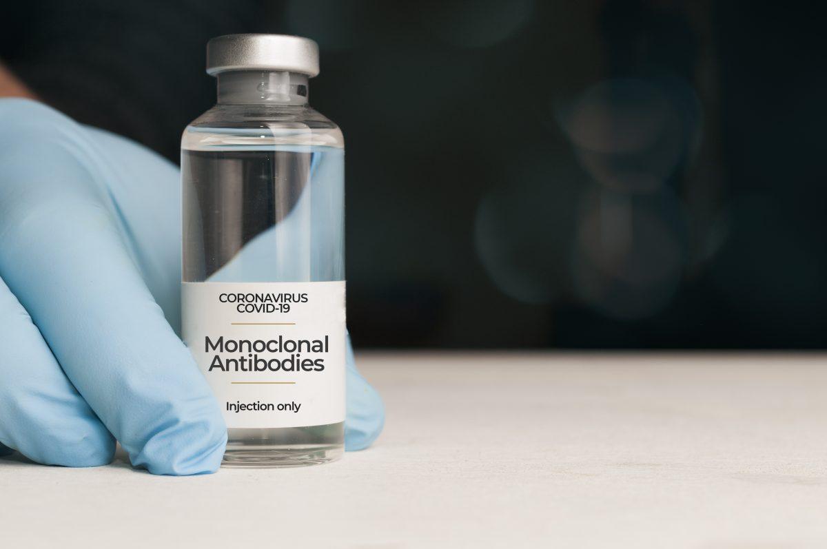 Anticorpi monoclonali contro COVID-19